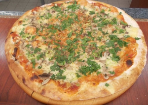 Нарачај пица Сицилијана во Скопје